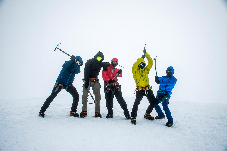 Group Hiking the glacier Hvannadalshnukur highest summit in Iceland mountain landscape Vatnajokull park 3